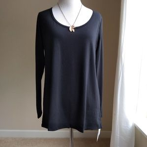 Lularoe solid black lynnea tee- long sleeve Small
